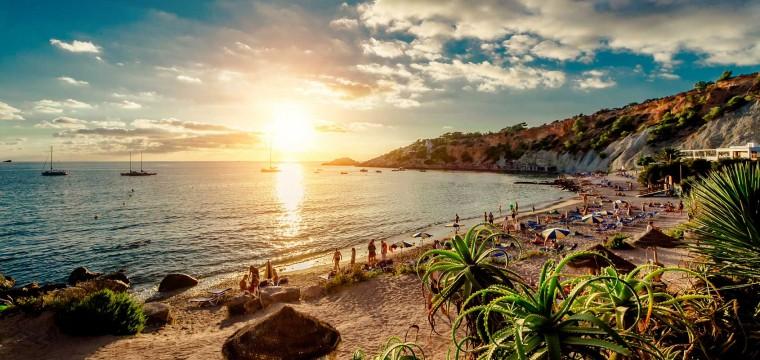 Ibiza vroegboekkorting 2016 | juli zomervakantie aanbieding TUI / Arke