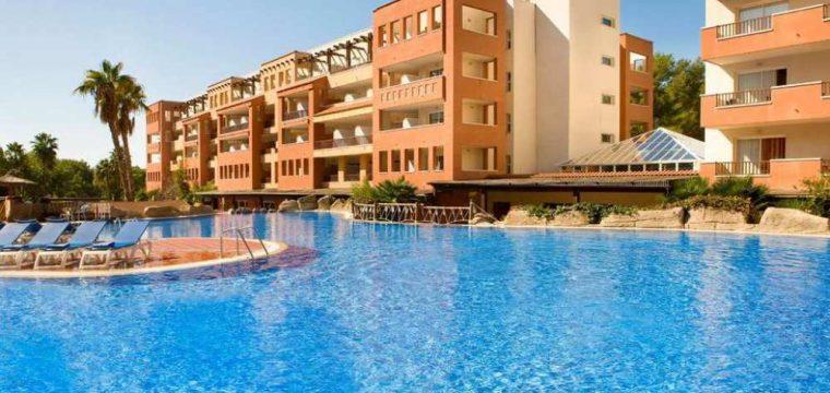 Halfpension Costa Dorada deal | vluchten + transfers & 4* hotel €272,- p.p.